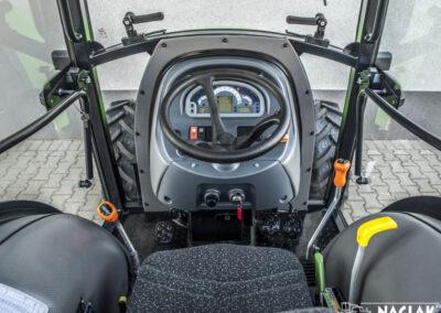 Kabina-Deutz-Fahr-Agroplus-F70-Keyline-NAGLAK-wnetrze-kierownica