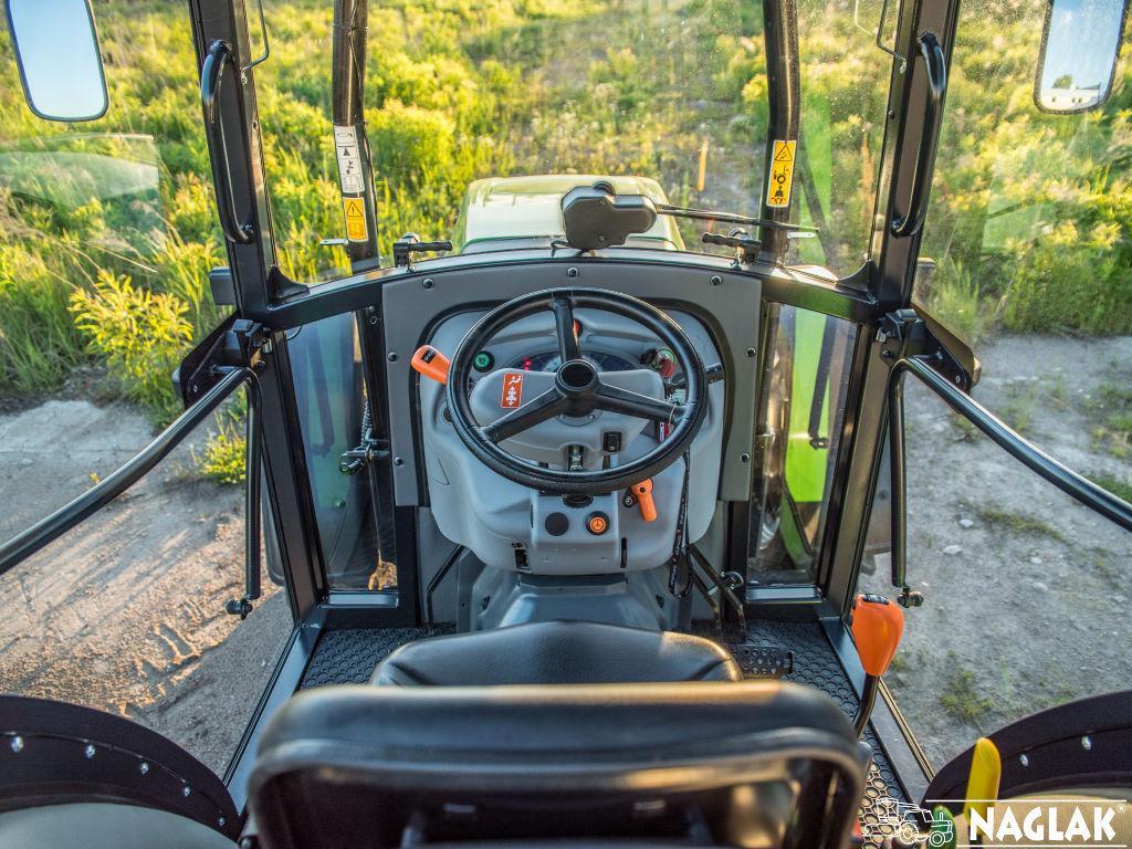 Naglak-Kabina-Deutz-Fahr-5105G TB-wnetrze-pulpit-kierownicy
