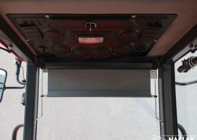 Naglak-Kabina-Kubota-B1241-wnetrze-panel-nagrzewnicy